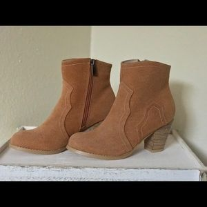 *BRAND NEW* Suede Short Fashion Boots